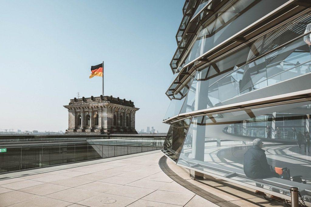 מעקה זכוכית בגרמניה